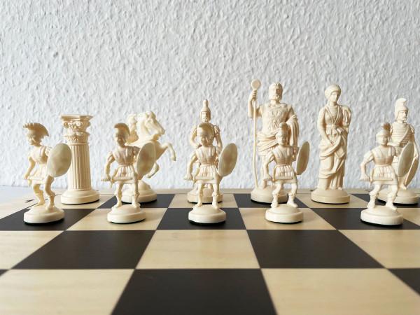 Schachset Römer Ritter Schachfiguren Kunststoff und Schachbrett aus Holz