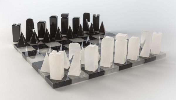Design Schachspiel aus Alabaster schwarz und weiss, KH=74mm