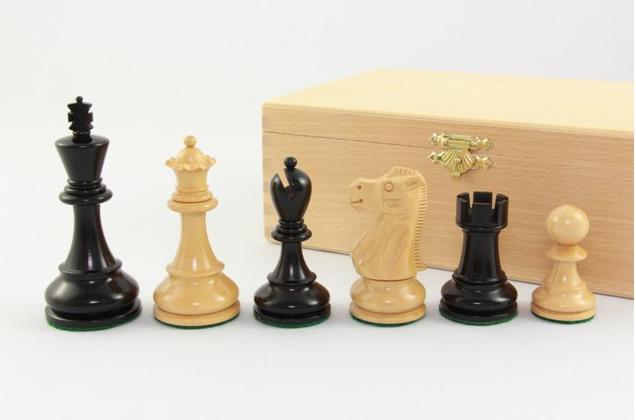 Jaques-Palaion-Schachfiguren-in-Buchekassette