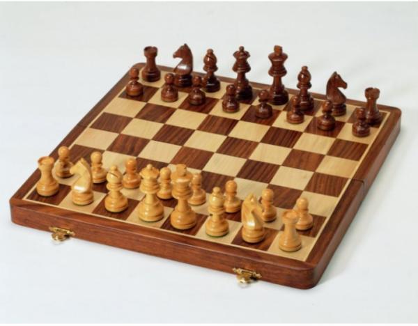 Exklusive Schachkassette aus massiv Holz, Königshöhe 70mm, Intarsie
