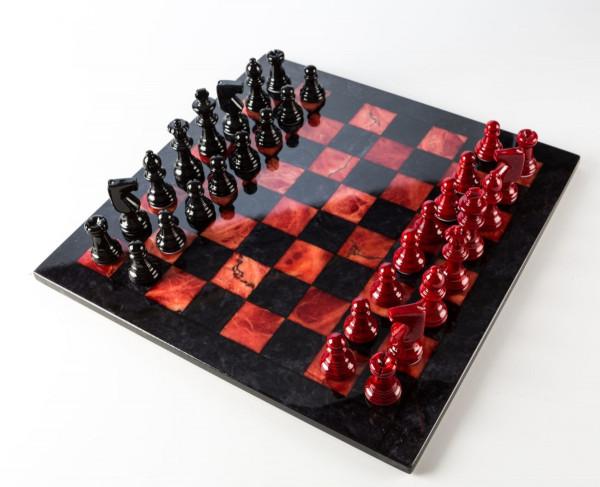 Schachspiel aus Alabaster rot und schwarz