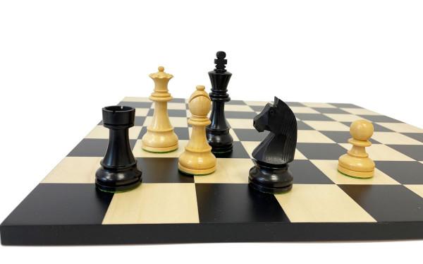 Staunton-Design Black Classic, Schachfiguren mit Schachbrett Elsbeere