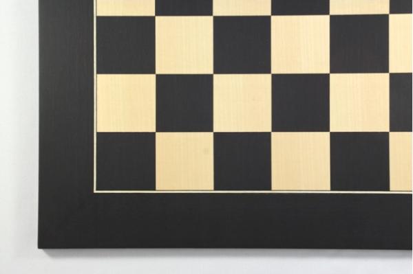 Schachbrett Anigré schwarz und Ahorn, Intarsie, matt lackiert, Feldgröße 55 mm