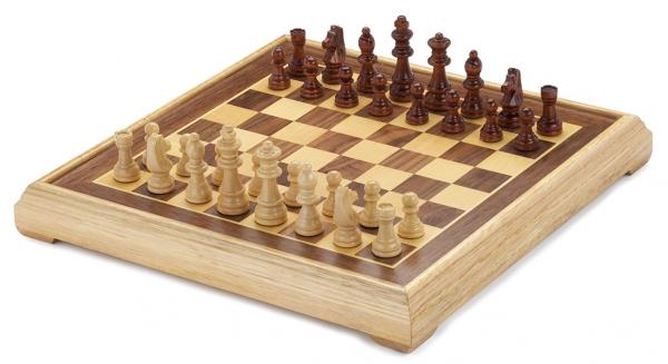 Schachspiel Intarsie - Schachfiguren aus Ahorn und Schachbrett aus Nussbaum