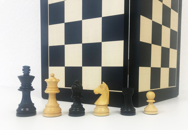 Schachkassette Ahorn Holz und Elsbeere, Königshöhe von 75 mm, Intarsien