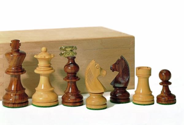 Staunton-Schachfiguren aus Akazienholz und Buchsbaum 83 mm
