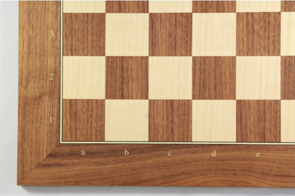 Schachbrett Nußbaum und Ahorn, Intarsie, matt lackiert, Feldgröße 50 mm, mit Zahlen und Buchstaben