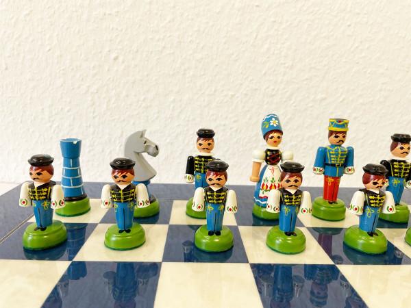 Schachset mit Bauernschach Schachfiguren, handbemalt und Schachbrett Hochglanz veredelt