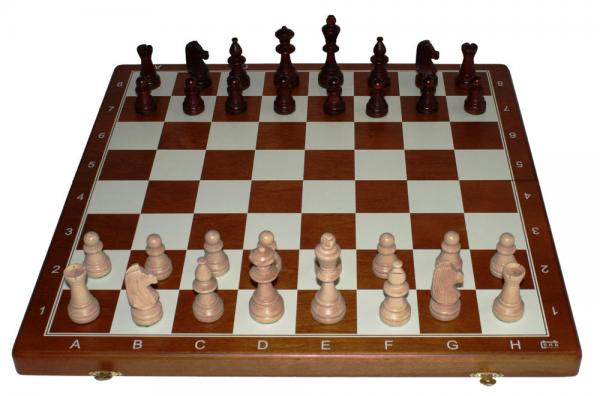 Schachkassette aus Holz braun mit Zahlen und Buchstaben, Feldgröße 40 mm, Königshöhe 76 mm
