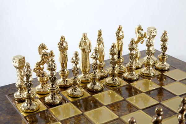 Renaissance Schachspiel mit Schachfiguren und Schachbrett, in Geschenkbox
