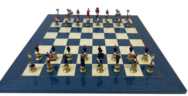 Schachset Napoleon aus Zink-Druckguss, mit Schachbrett hochglanzlackiert