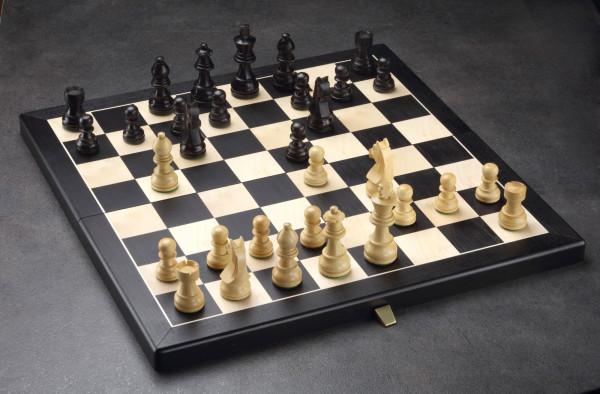 Schachkassette Ahorn Holz und Elsbeere, Königshöhe von 64 mm, Intarsien