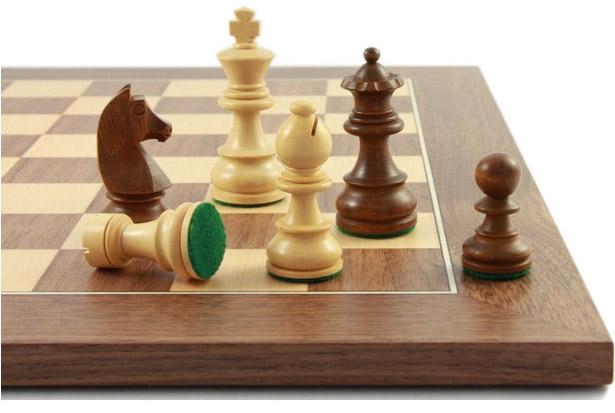 Schachfiguren-und-Schachbrett-Balance70_Abbildung2_links